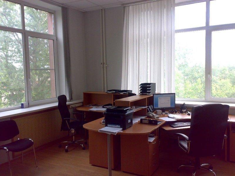 Продается офисная мебель б/у 3 мес. для 4-х сотрудников. . Полностью укомплектованный рабочий кабинет