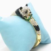 Красивый браслет Панда с белыми и черными бриллиантами