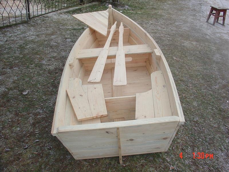 Деревянная лодка из досок
