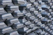 На экспорт алюминий первичный А7,  А8,  А999,  А995 и др. марок..