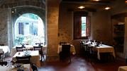 Действующий ресторан в усадьбе ХII века в пригороде Барселоны.