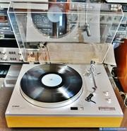 Проигрыватель пластинок Yamaha YP-800.