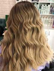Модель на окрашивание волос